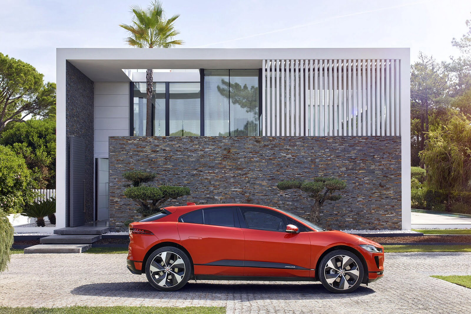 i_pace_estate_88860.jpg - 294kW EV400 HSE 90kWh 5dr Auto [11kW Charger]